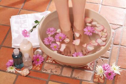 Magnezowa kąpiel stóp i inne przezskórne metody terapii magnezem
